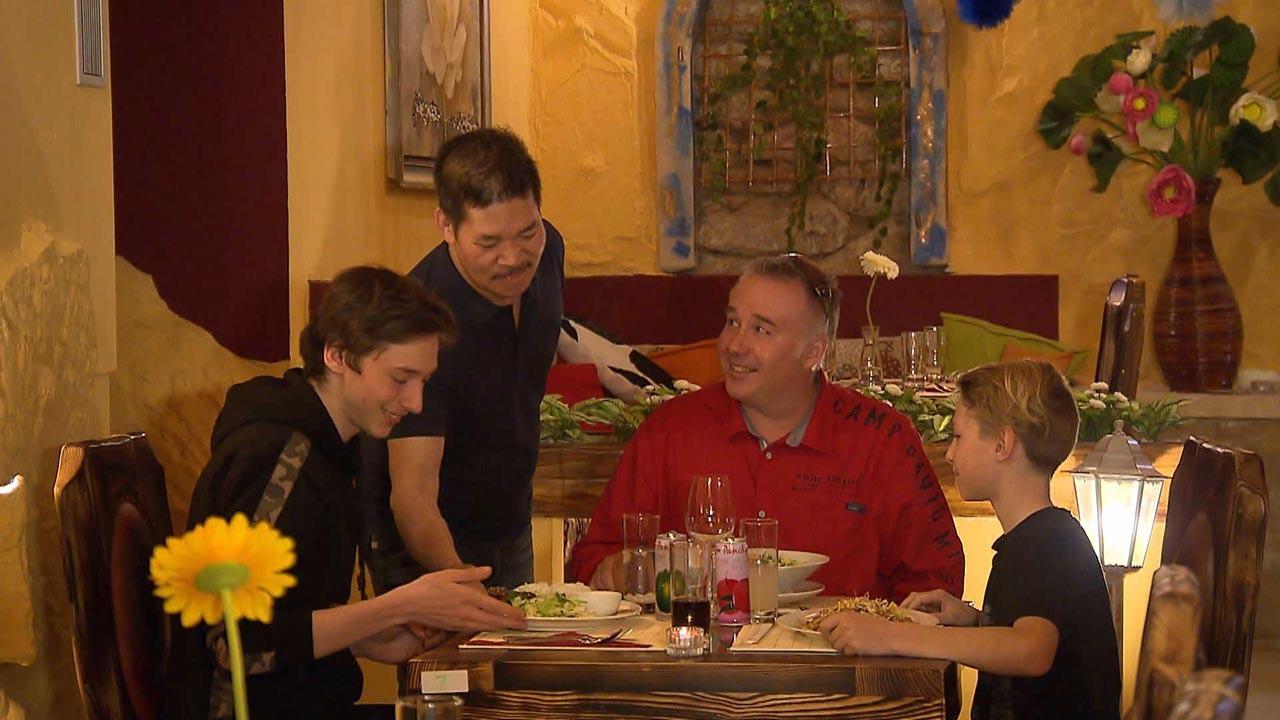 CZ - Mya Chef Restaurant Cafe