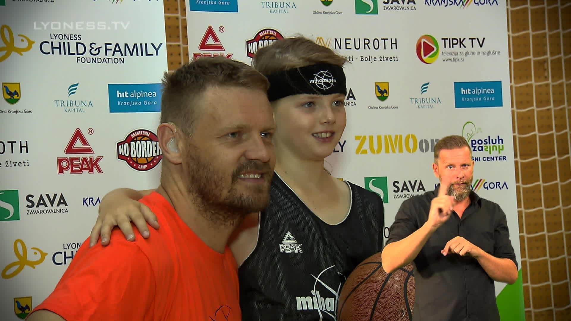 Trainieren mit Basketballprofi Miha Zupan – Gebärdensprache